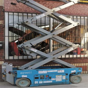 Scissor Lift in NYC