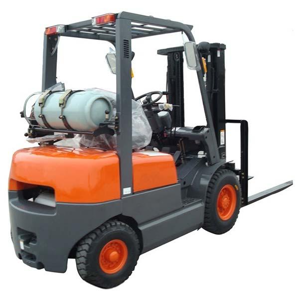 Forklift 5000 LB LPG + 1 Tank